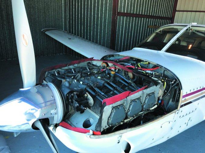 Saratoga engine uncowled