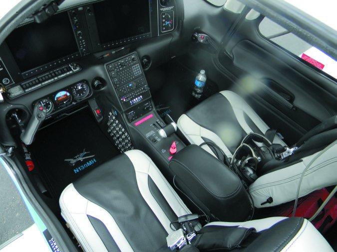 SR22T G5 interior