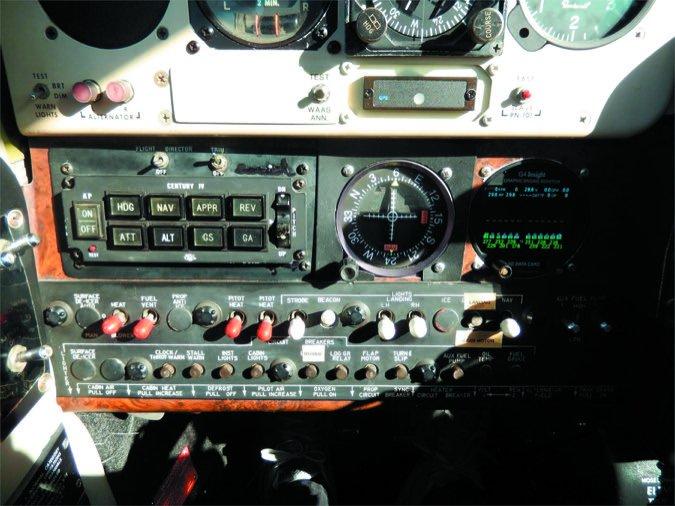 4 Baron pilot seat