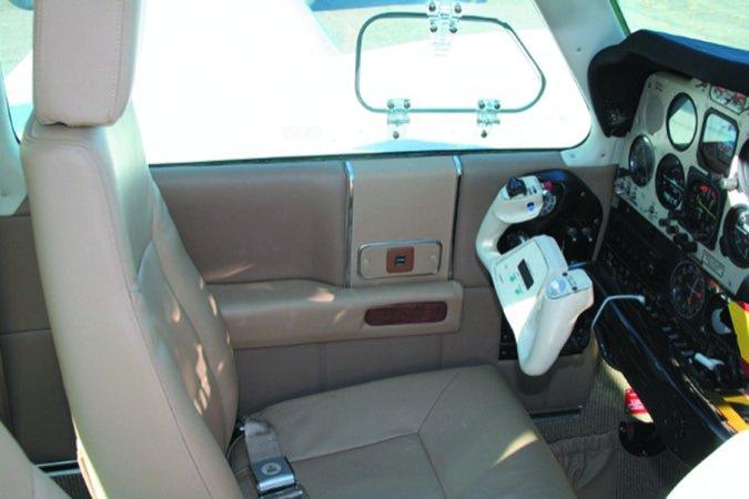 5 Baron cabin seats