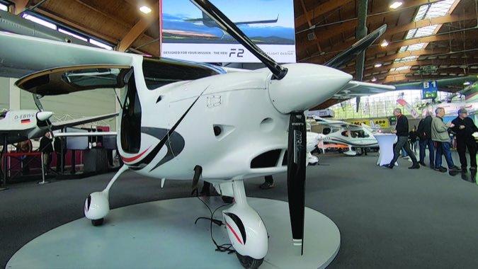 3 Flight Design F2