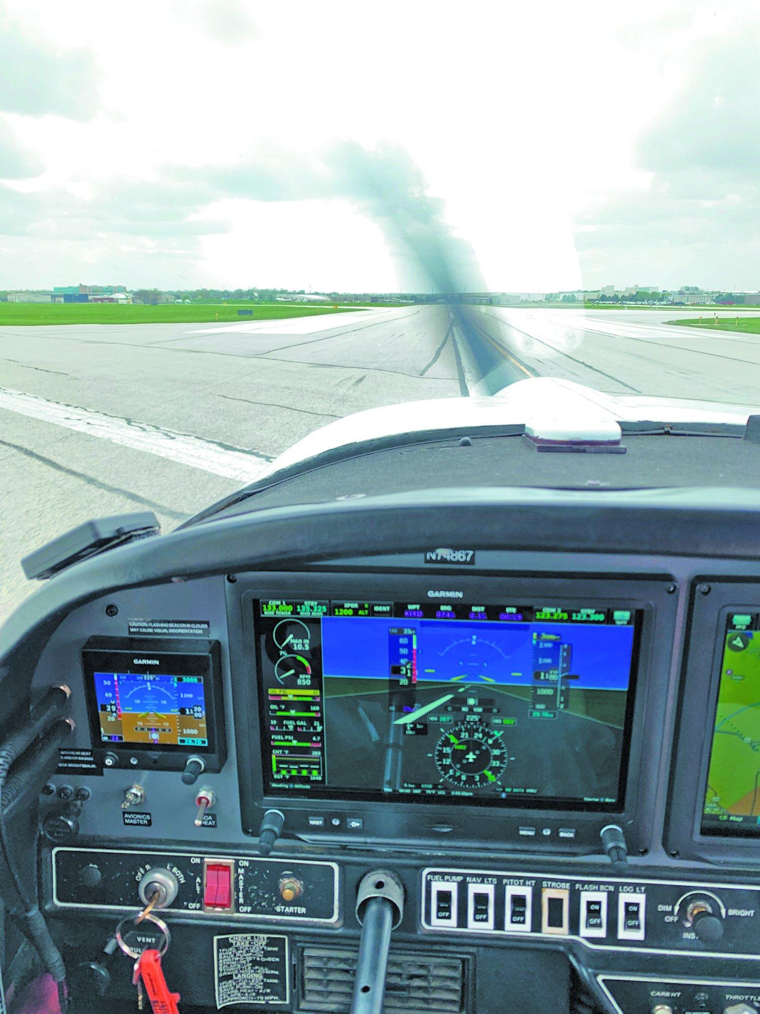 2 G3X Touch runway
