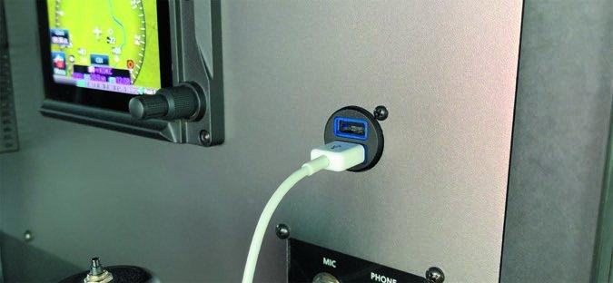 28 Garmin panel USB installed